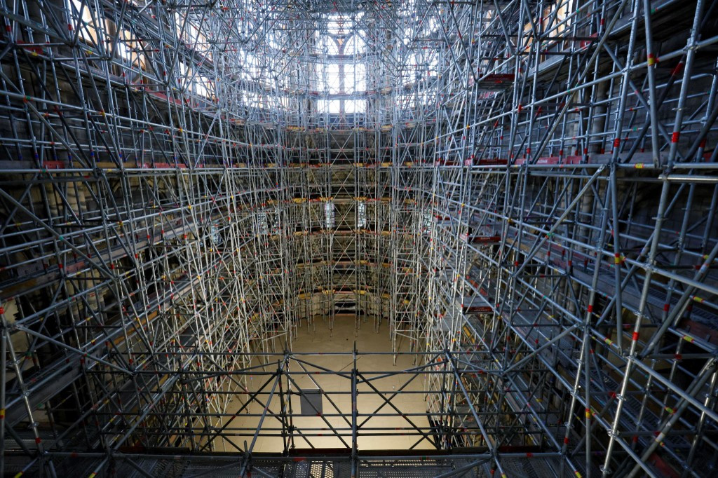 У Франції почнуть реставрацію Нотр-Дама: як собор виглядає зараз - фото 2