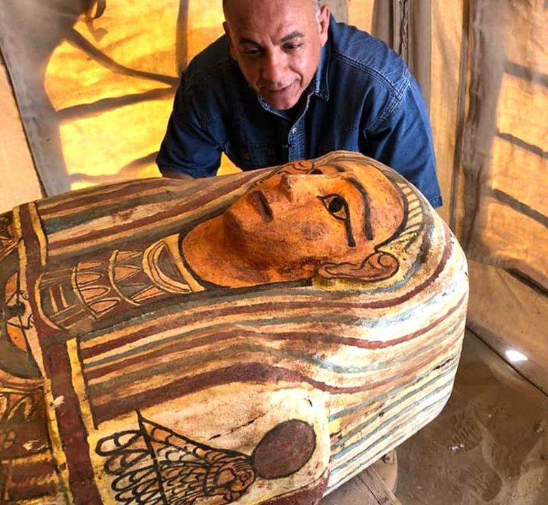 В Египте археологи раскопали древнейшие саркофаги: выглядят как новые (ФОТО) - фото 4
