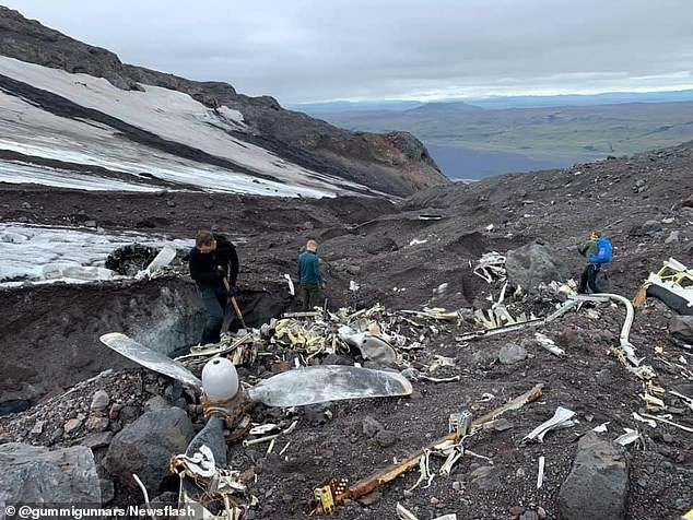 В Исландии под растаявшим ледником обнаружили неожиданную находку (ФОТО) - фото 2