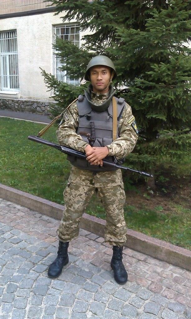 Мечтал стать первым темнокожим генералом в Украине: история Ашрафа Мсуя, погибшего в крушении под Чугуевом - фото 3