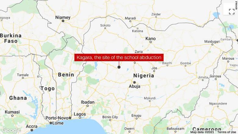 В Нигерии боевики напали на колледж: более 100 студентов похищены, один убит - фото 2