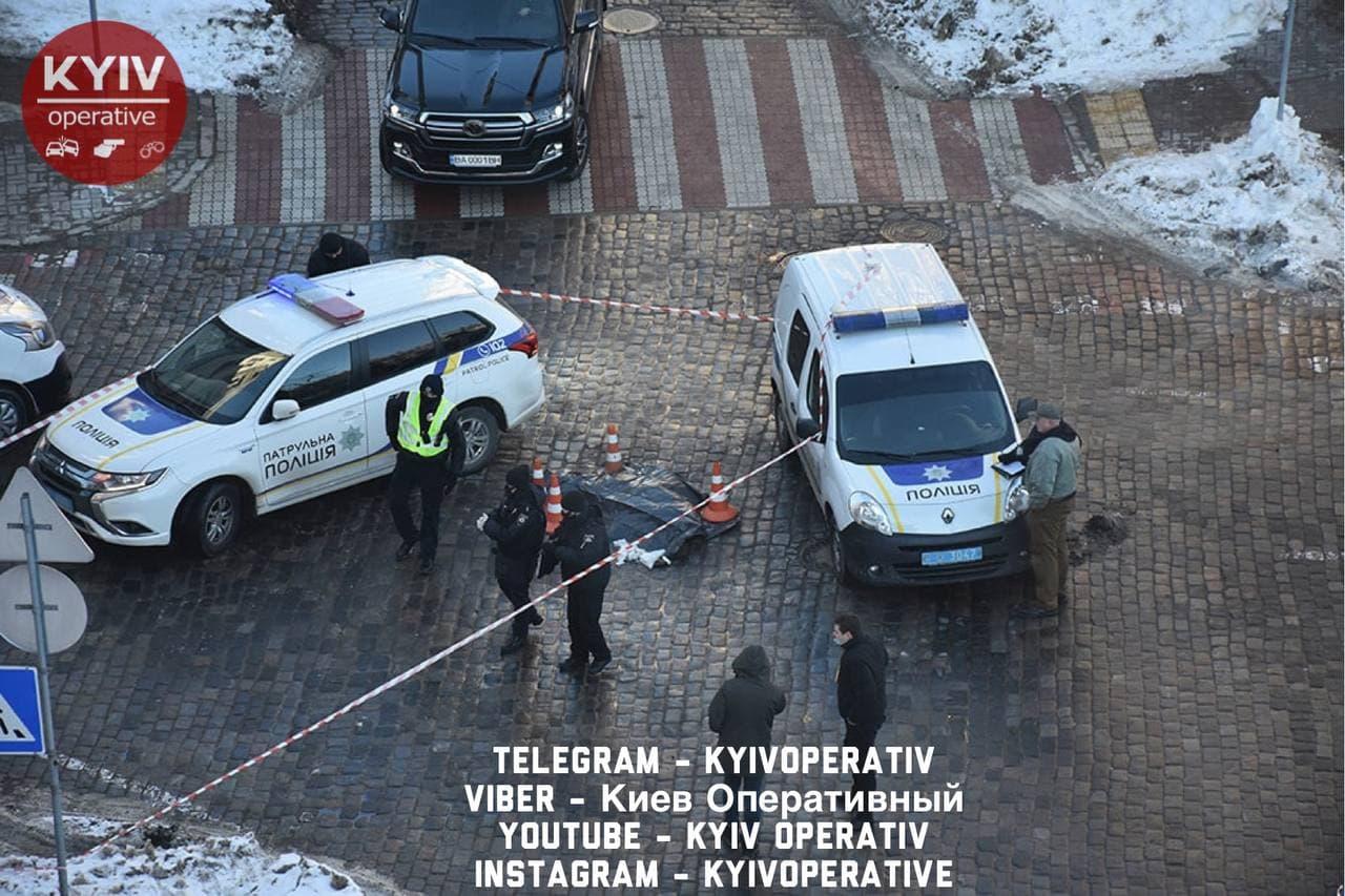 Смертельный удар: в Киеве водитель иномарки подрался с пешеходом (ФОТО) - фото 2