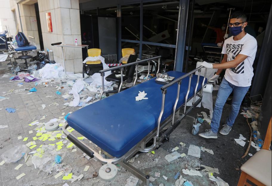 Будто кадры из фильма про Армагеддон: как выглядит Бейрут после взрывов (ФОТО, ВИДЕО) - фото 5