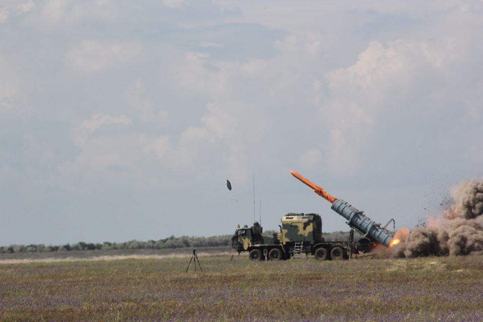 Генштаб ВСУ показал фото очередного этапа испытаний ракетного комплекса «Нептун» - фото 7