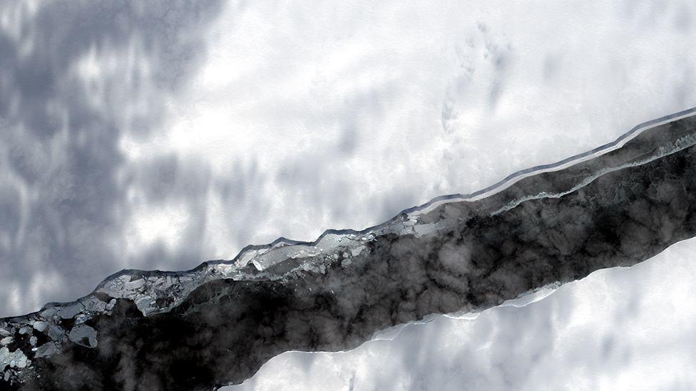 Ширина прірви - 2 км: з'явилося фото гігантської тріщини льоду в Антарктиді - фото 2