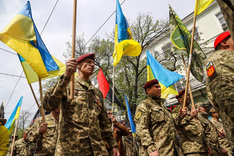 Годовщина событий 2 мая: в Одессе состоялся «Марш защитников города» (ФОТО) - фото 2
