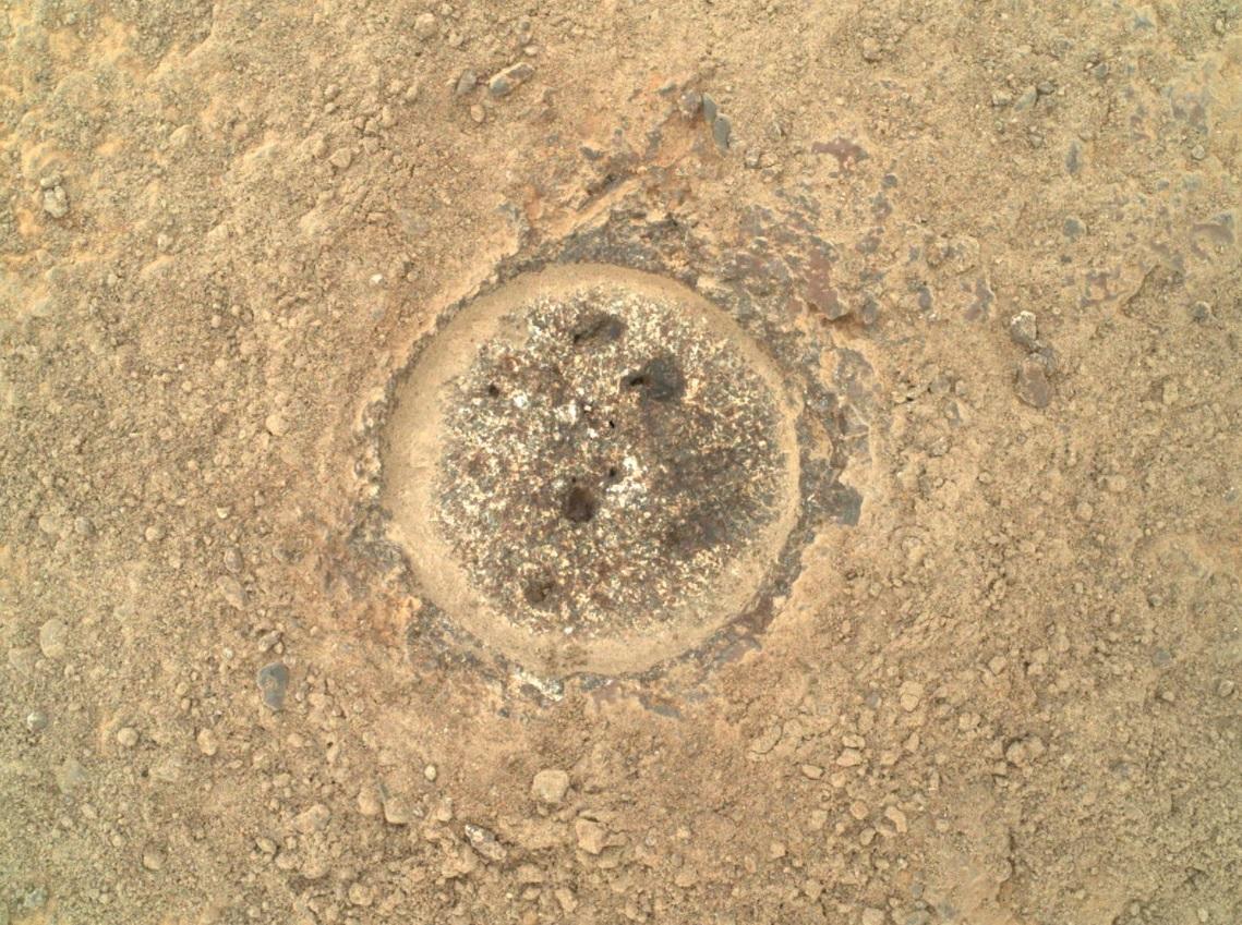 NASA опубликовало новые фотографии с поверхности Марса, которые сделал марсоход Perseverance (ФОТО) - фото 3