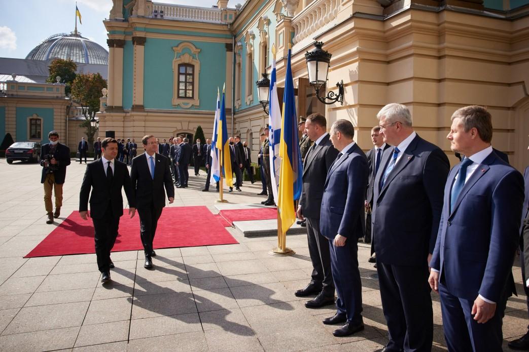 В Украину прибыл президент Израиля: как проходит его официальный визит - фото 5