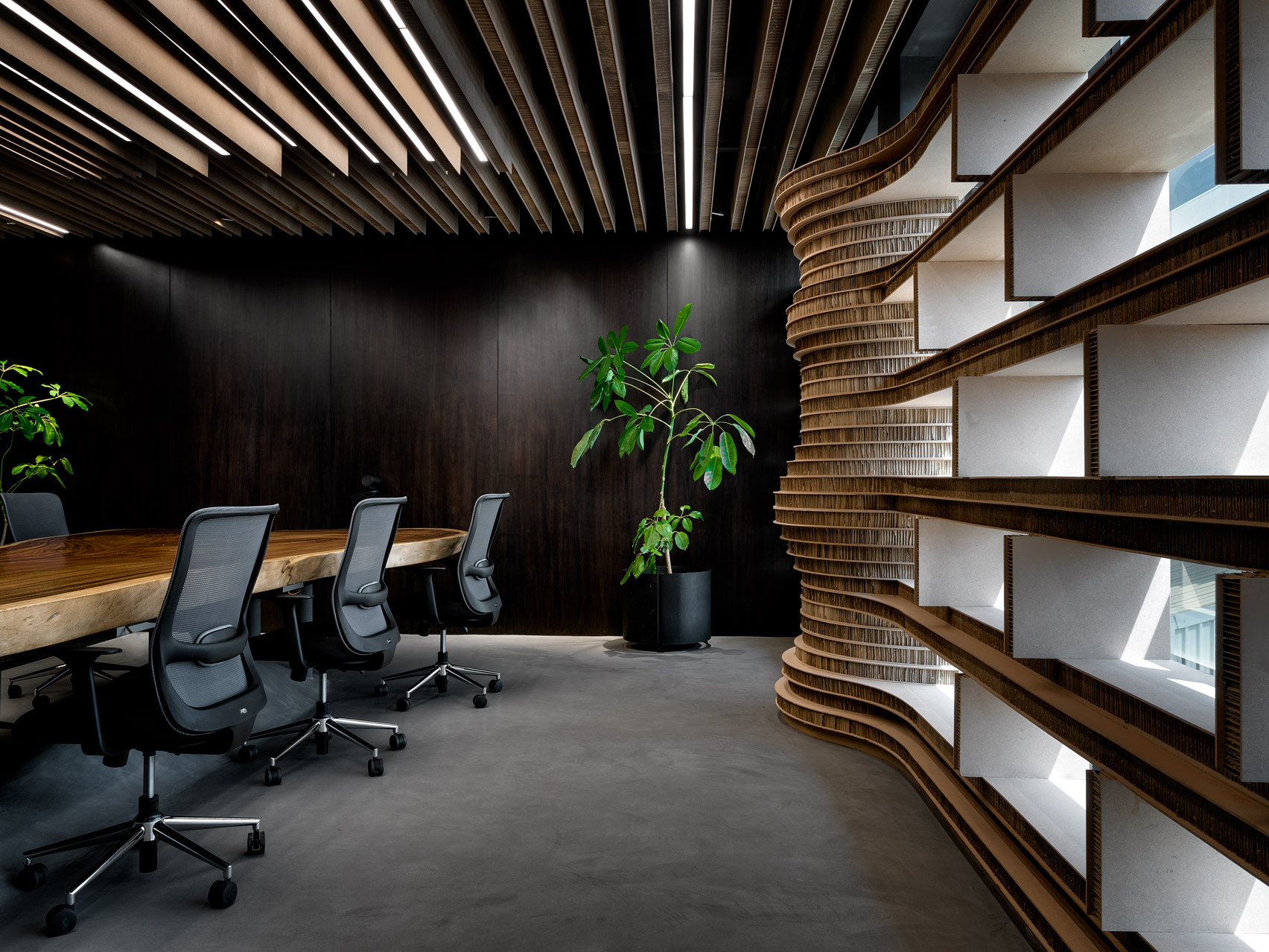 Офис из картона: фото впечатляющего экодизайна - фото 7