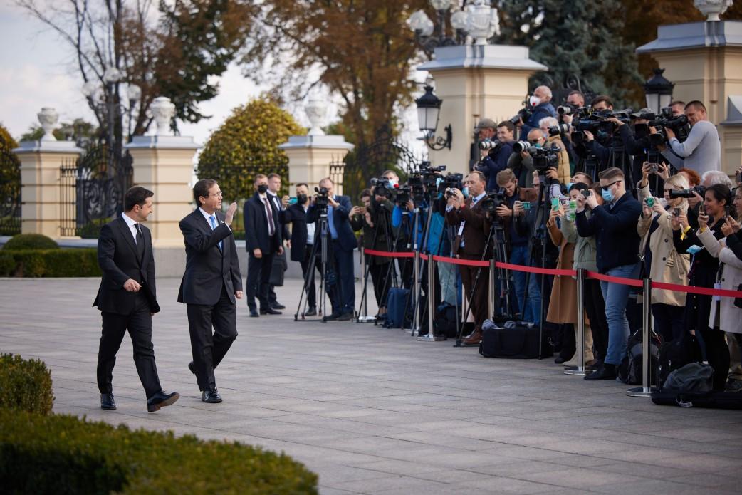 В Украину прибыл президент Израиля: как проходит его официальный визит - фото 3