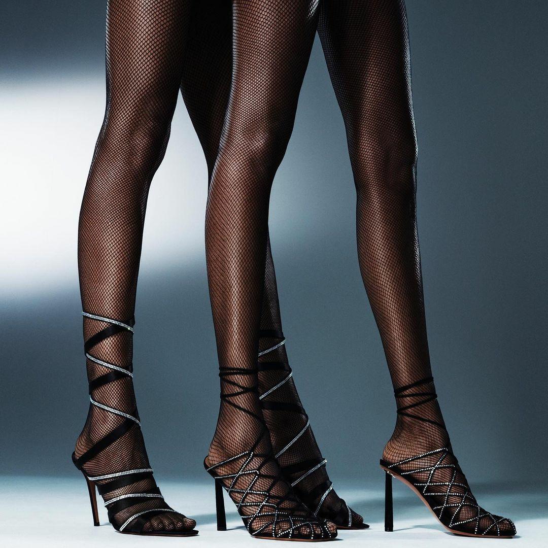 Співачка Ріанна перекваліфікувалася в дизайнери взуття (фото) - фото 5