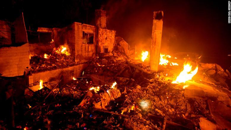 ФОТОФАКТ: Лесные пожары в США сожгли около 40 тыс. гектаров земли, ситуация ухудшается - фото 4