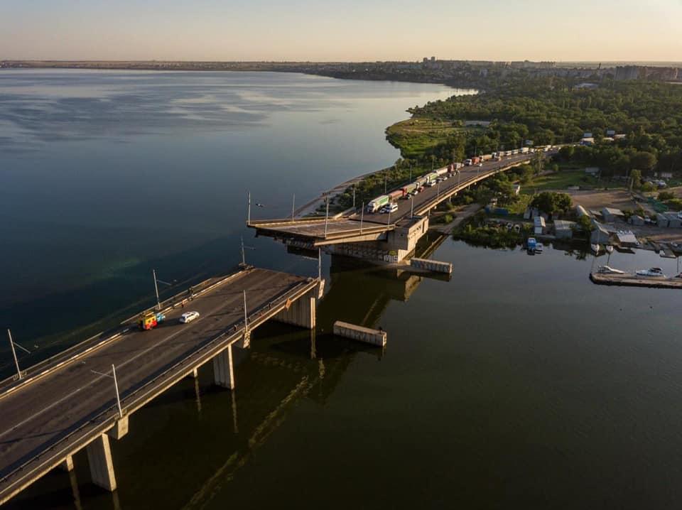 Примхливий міст у Миколаєві: відома причина самовільного розведення (ФОТО, ВІДЕО) - фото 2