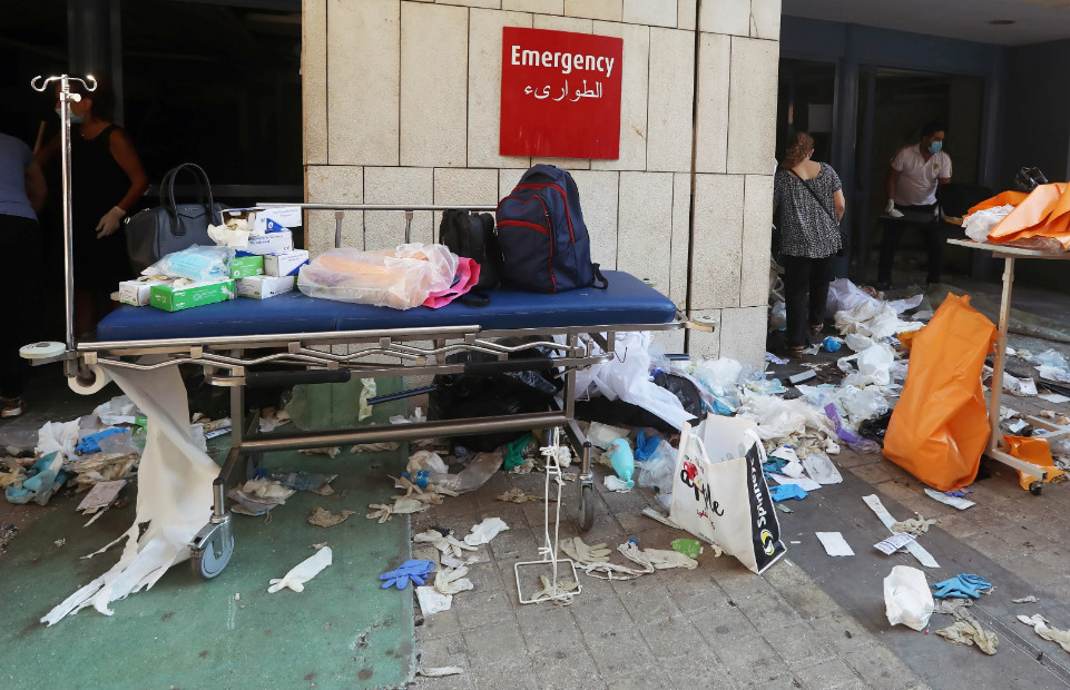 Будто кадры из фильма про Армагеддон: как выглядит Бейрут после взрывов (ФОТО, ВИДЕО) - фото 6