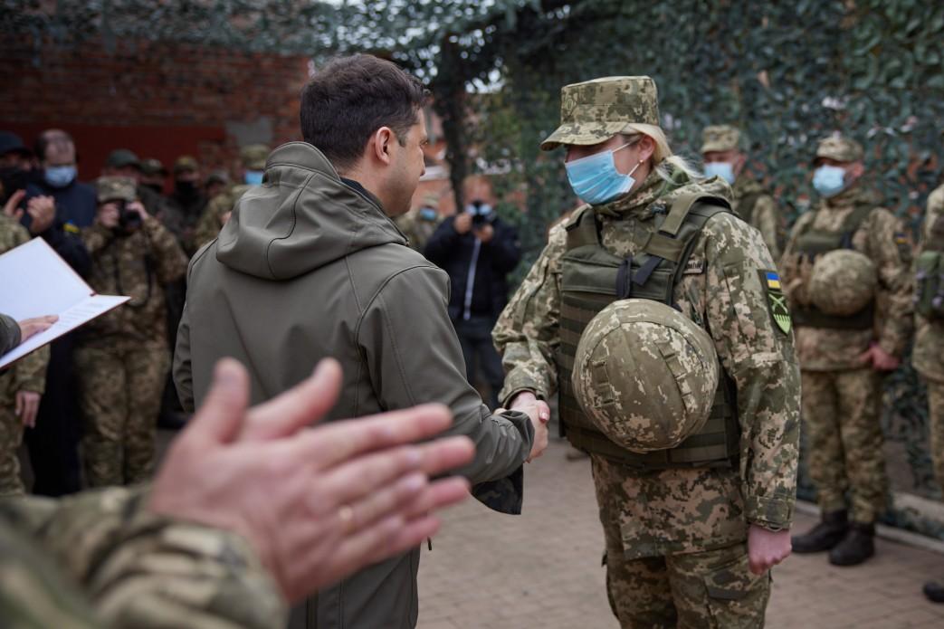 Зеленский побывал с визитом на Донбассе: подробности (ФОТО) - фото 3
