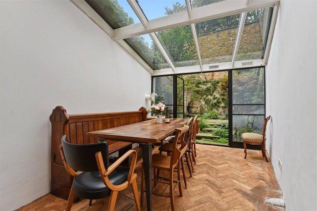 Найвужчий будинок в Лондоні продають за 1,2 мільйона доларів (фото) - фото 8