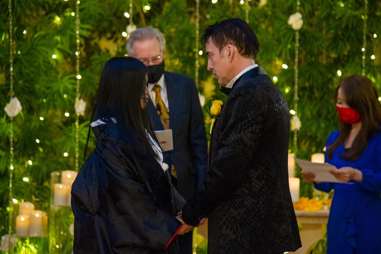 Голлівудський актор одружився на дівчині, яка молодша за нього на 31 рік (ФОТО) - фото 3