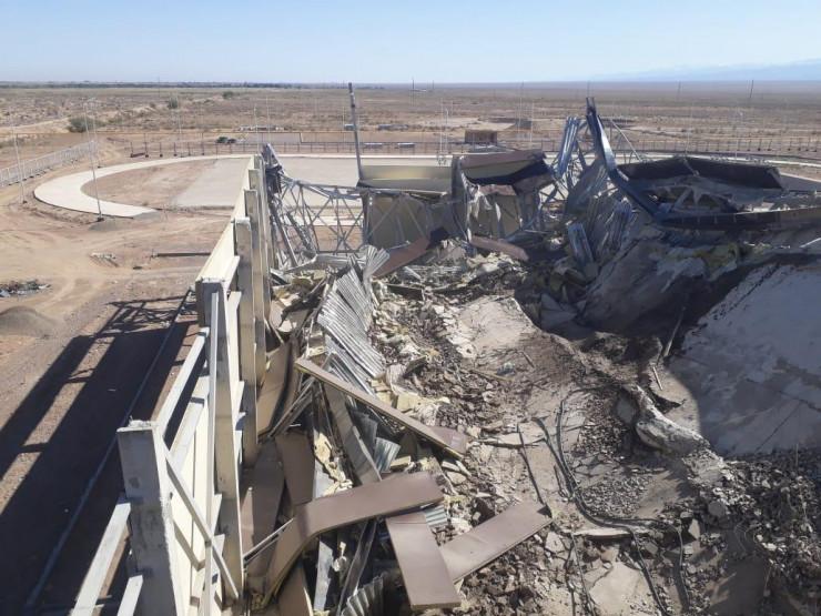 ФОТОФАКТ: в Казахстані під час спорудження рухнув майже за 3 млн доларів стадіон - фото 4