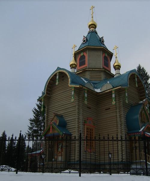 Із ліфтом для їжі та підземним СПА: у Навального показали ще один палац Путіна (ВІДЕО) - фото 6