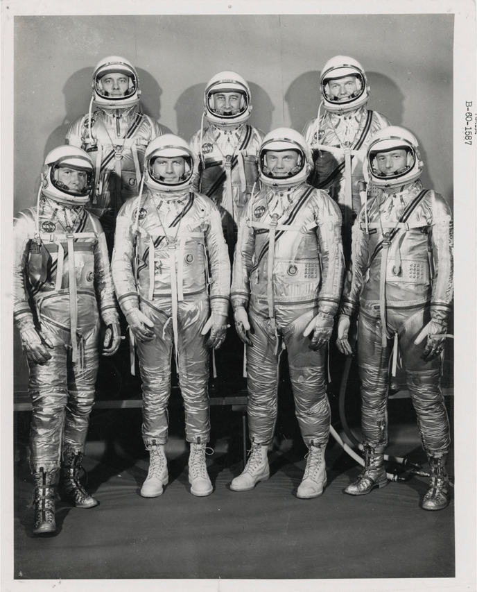 В Нью-Йорке на аукционе выставили самую большую коллекцию редких фото NASA (Фото) - фото 6