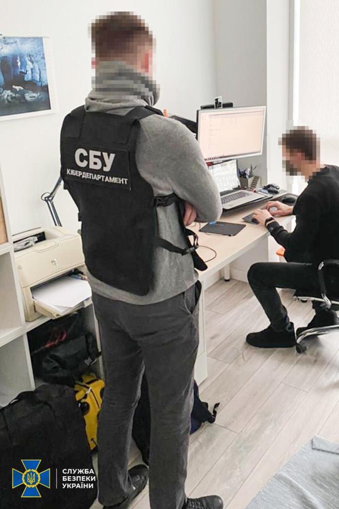 СБУ накрили міжнародну організацію хакерів: деталі - фото 2