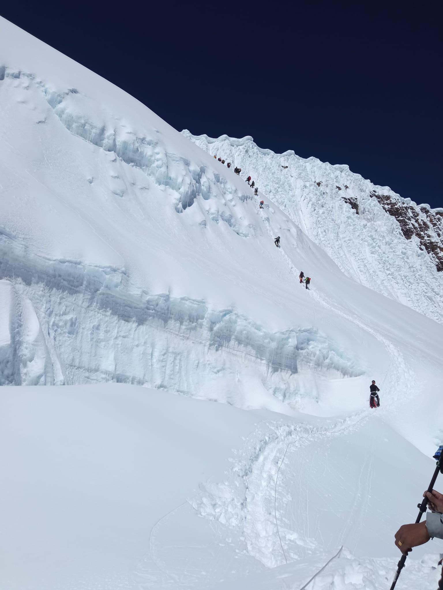Украинец покорил восьмую по высоте вершину мира - фото 2