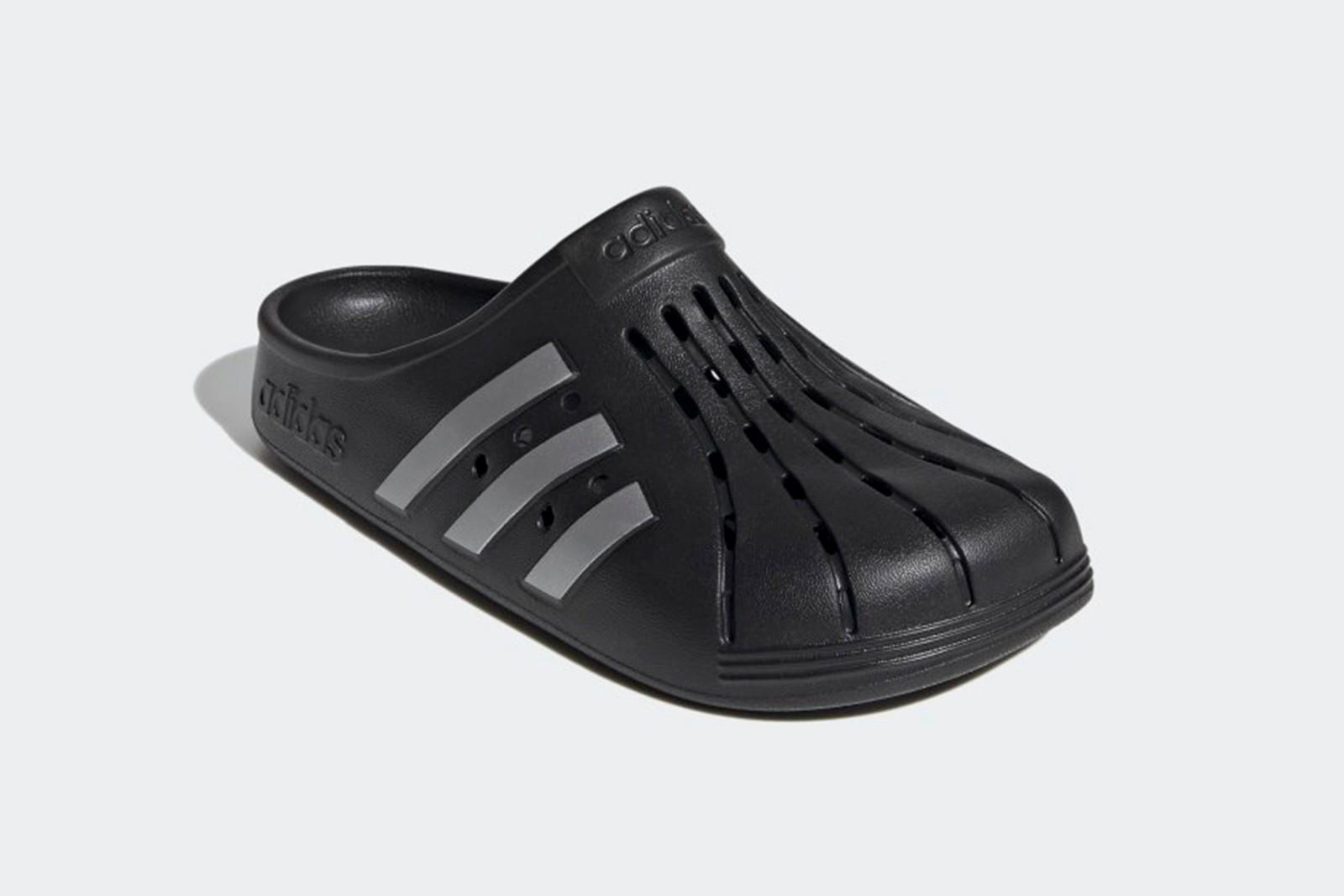Adidas выпустил свою версию кроксов: сколько стоит новинка - фото 3
