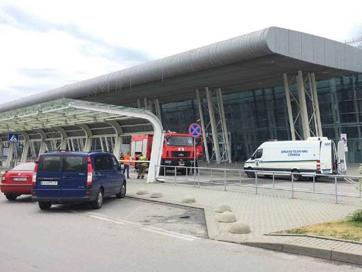 Почему в аэропорту Львова пришлось взорвать ноутбук туристки (ФОТО) - фото 4