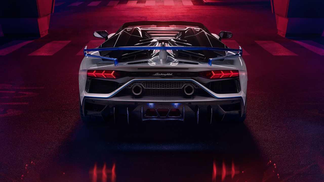Итальянский автопроизводитель представил новый спорткар - фото 5
