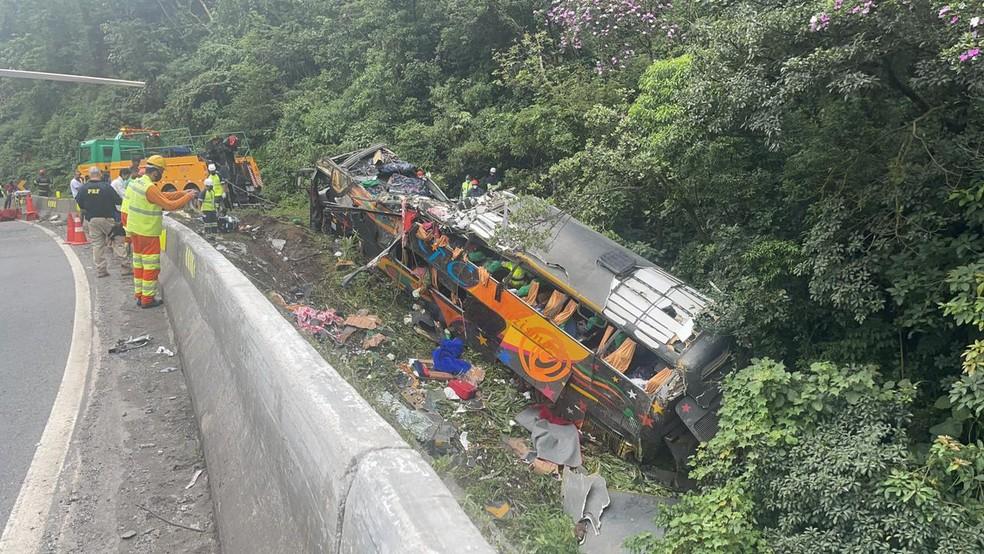 У Бразилії сталася автокатастрофа: загинула 21 людина (ФОТО) - фото 2