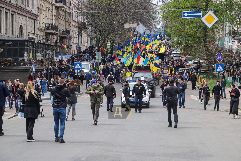 Годовщина событий 2 мая: в Одессе состоялся «Марш защитников города» (ФОТО) - фото 9