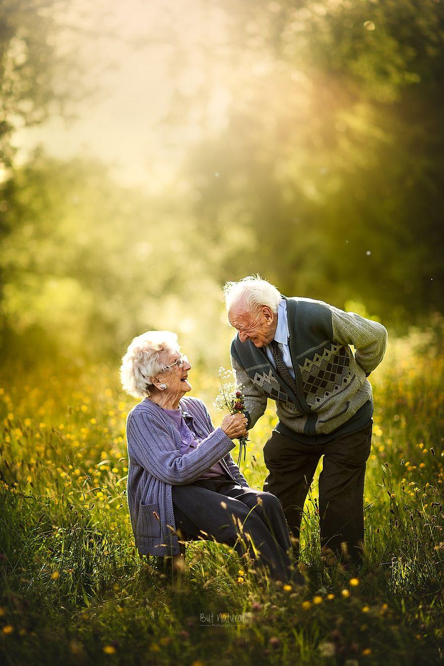 Любов вічна: фотограф зняла красиву літню пару (фото) - фото 7
