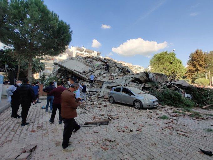 У турецькому Ізмірі стався потужний землетрус - фото 3