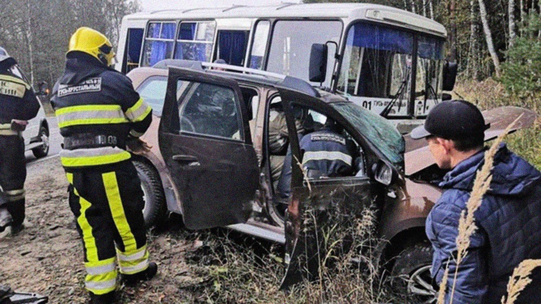 В ДТП погиб известный актер: появились фото ужасной аварии  - фото 3