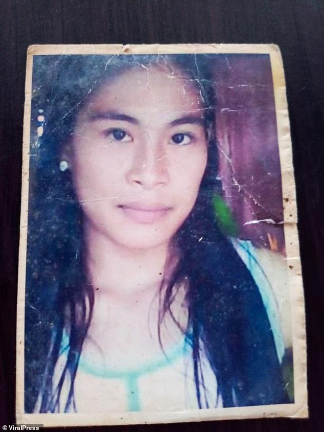 На Філіппінах дівчина п'ять років прожила у клітці (ФОТО) - фото 2