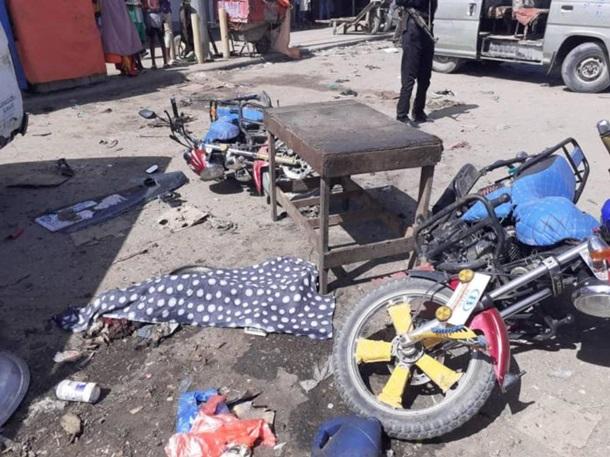 В Сомали террорист взорвал кафе с посетителями (ФОТО)  - фото 2