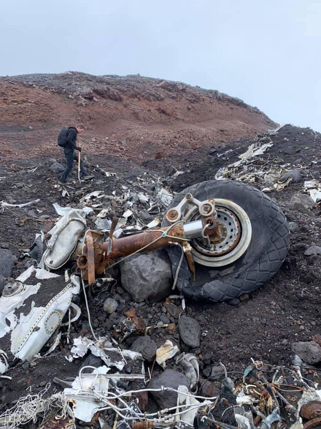 В Исландии под растаявшим ледником обнаружили неожиданную находку (ФОТО) - фото 4