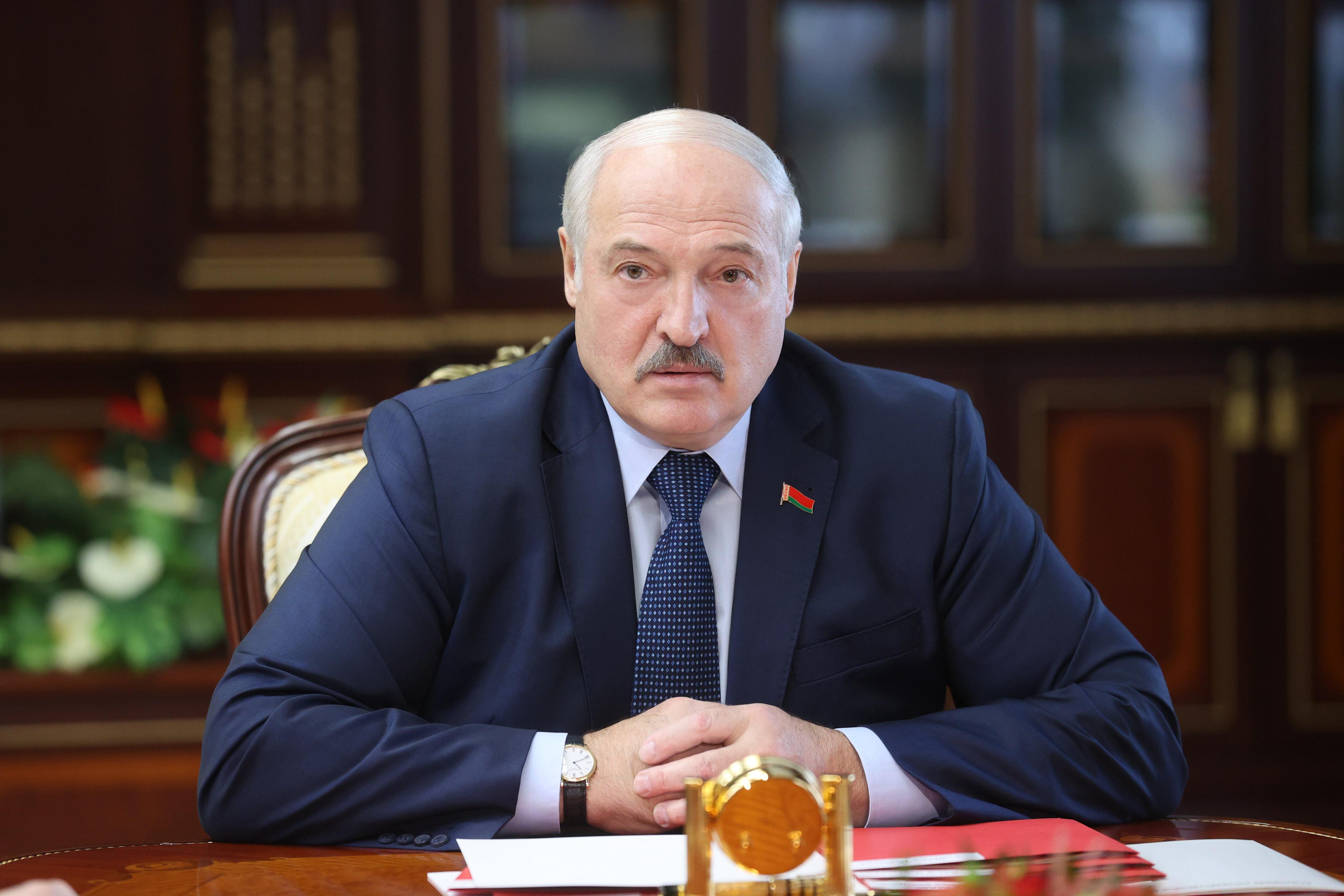 Лукашенко сделает заявление, что вступление Украины в НАТО нужно согласовывать не только с Москвой, но и с Минском, – Бесараб
