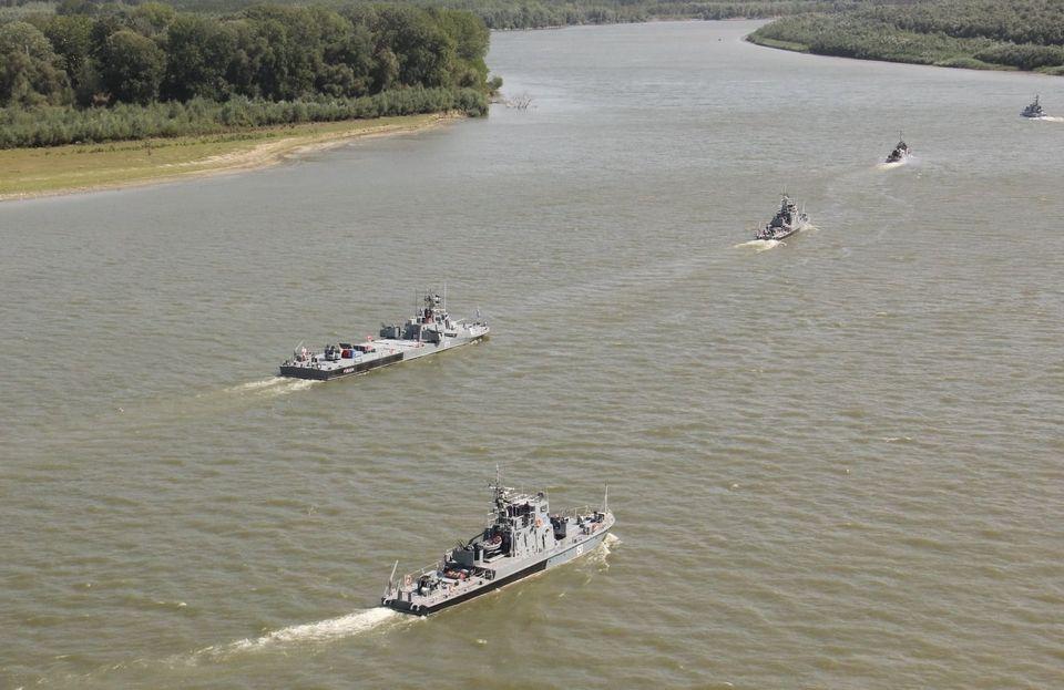 В Генштабе показали, как проходят учения ВМС Украины и Румынии на Дунае - фото 2