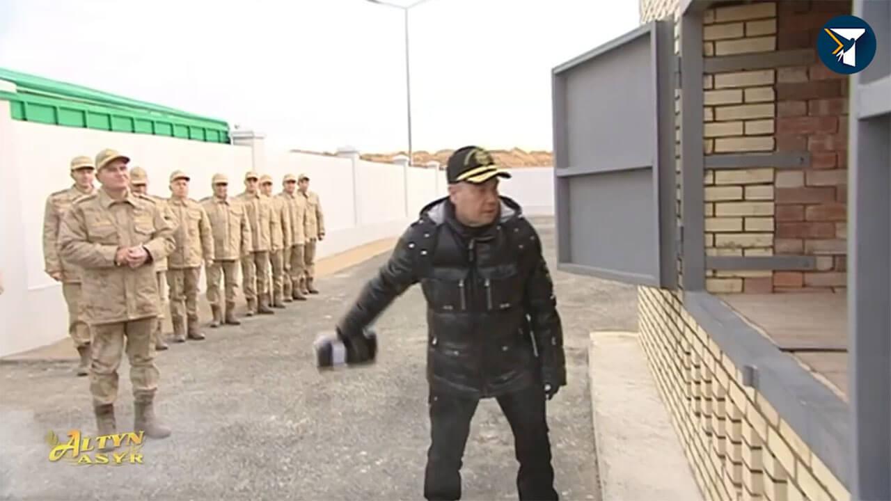 Президент Туркменистана лично уничтожил партию наркотиков (ВИДЕО)