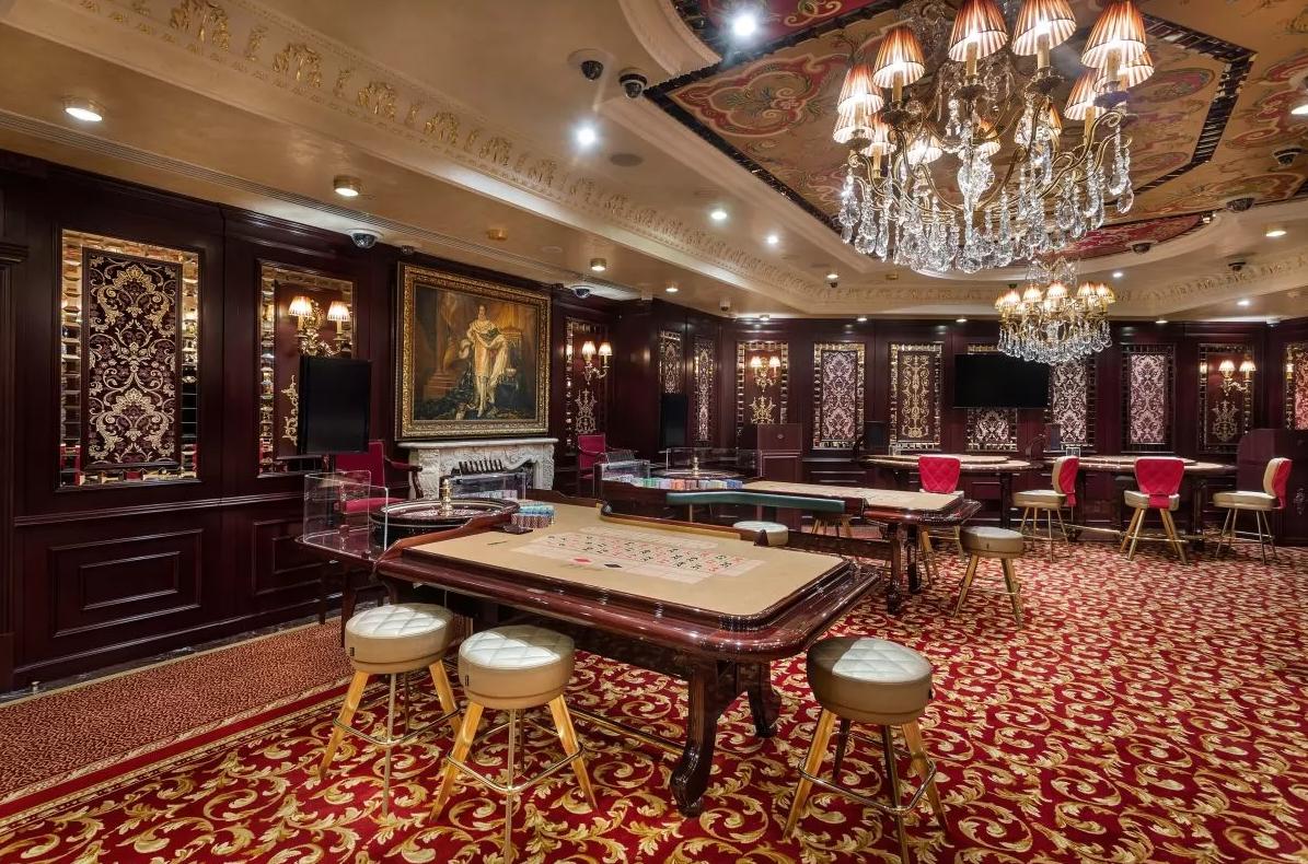В Украине открылось первое легальное наземное казино: где именно (ФОТО) - фото 2