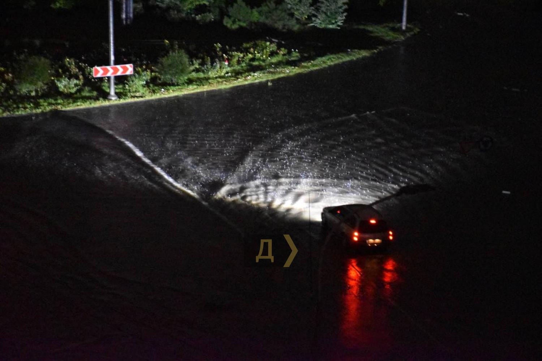 Поплыла из-за дождя: как Одесса справилась с мощнейшей непогодой (ФОТО, ВИДЕО) - фото 10