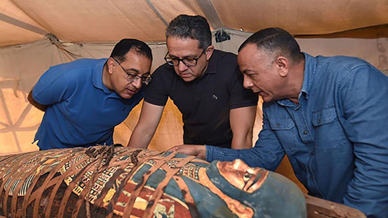 Фотофакт: археологи раскопали огромное количество древних саркофагов в Египте - фото 2
