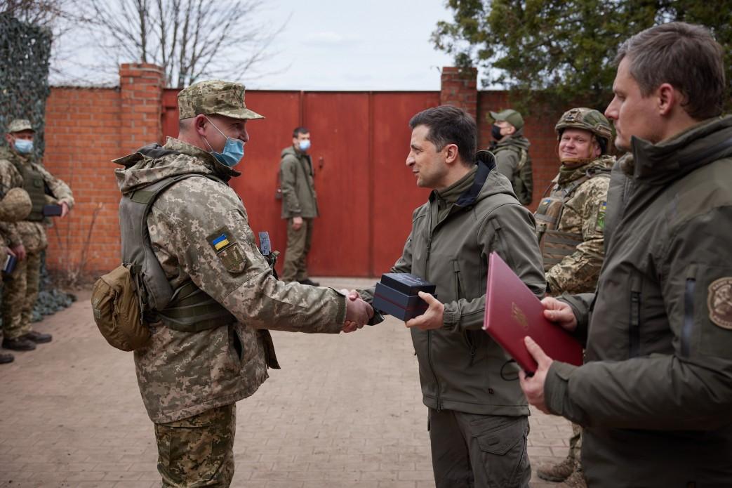 Зеленский побывал с визитом на Донбассе: подробности (ФОТО) - фото 6
