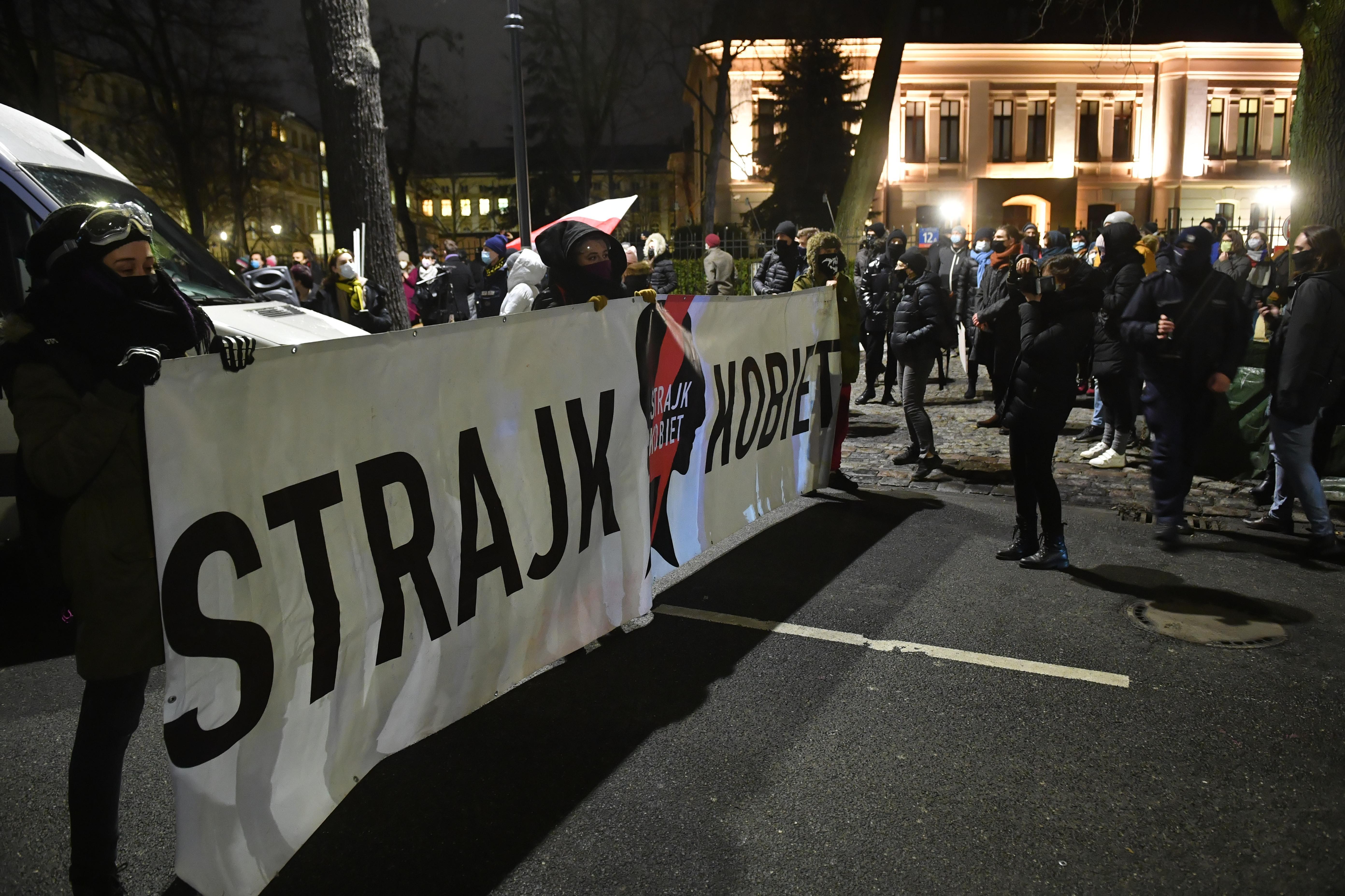 В Польщі остаточно заборонили аборти - наслідки (Фото)  - фото 6