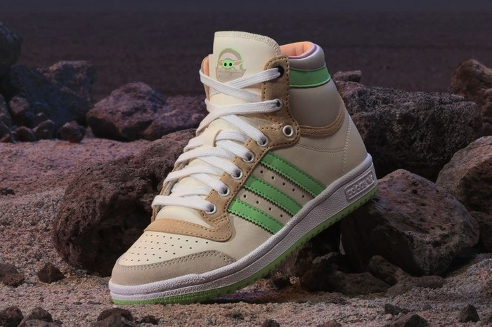 Adidas посвятили новые кроссовки малышу Йоде - фото 2